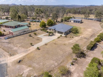 12 East Side Road, Crows Nest, Qld 4355