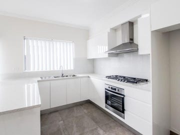 21/20 Old Glenfield Road, Casula, NSW 2170