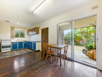 8 Forrest Avenue, Valley View, SA 5093