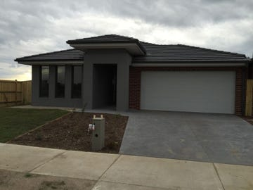 22 Elland Road, Clyde North, Vic 3978