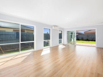 30 EVERTON DRIVE, Cowes, Vic 3922