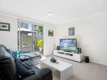 5104/12-14 Executive Drive, Burleigh Waters, Qld 4220