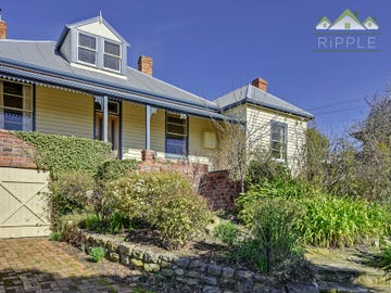 162 Augusta Road, Lenah Valley, Tas 7008