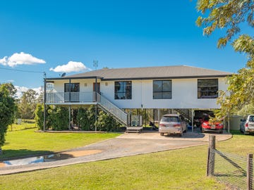 7 Giles St, Southside, Qld 4570