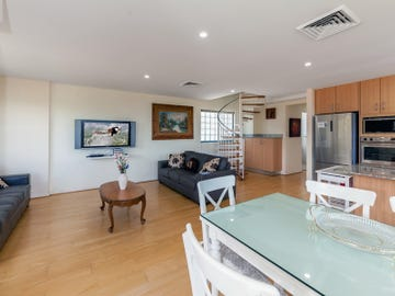 9/3 Yacaaba Street, Nelson Bay, NSW 2315