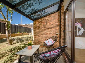 9 Macvitie Place, Macquarie, ACT 2614