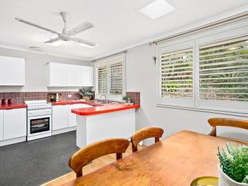 83 Stanley Avenue, Farmborough Heights, NSW 2526