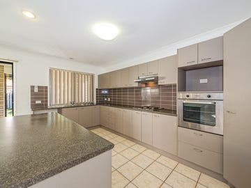 3 Middle Cove Court, Sandstone Point, Qld 4511