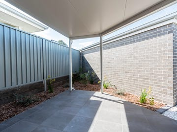 2/40 Basil Street, South Nowra, NSW 2541