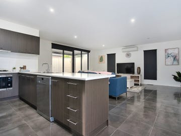 27 Kirby Avenue, Canadian, Vic 3350
