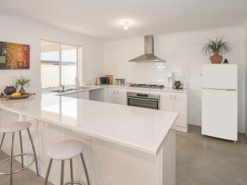 8 St Michaels Parkway, Dunsborough, WA 6281