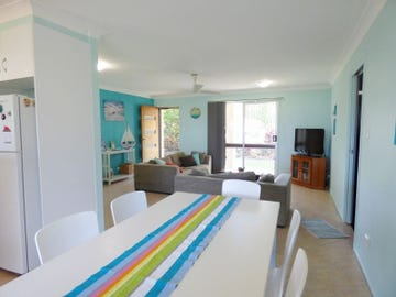88 Gympie Road, Tin Can Bay, Qld 4580
