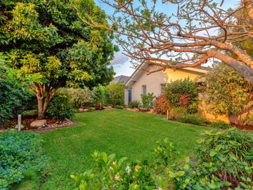 5 Vaucluse Place, Sorrento, Qld 4217