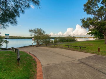 229/125 Hansford Road, Coombabah, Qld 4216
