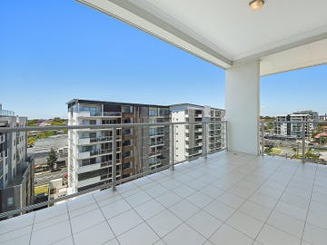 802/20 Playfield Street, Chermside, Qld 4032
