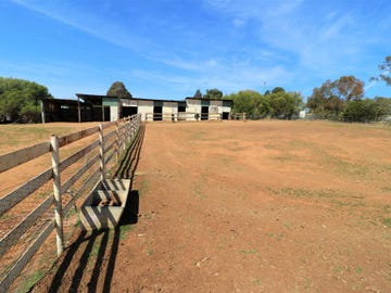 286 Henry Lawson Way, Young, NSW 2594