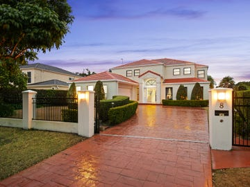 8 Staysail Crescent, Clear Island Waters, Qld 4226