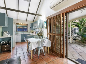 1/7 Warrie Close, Paradise Point, Qld 4216