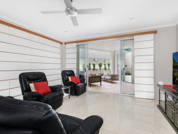2/93 Landsborough Parade, Golden Beach, Qld 4551