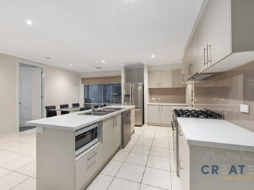 13 Chesterfield Road, Cairnlea, Vic 3023