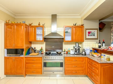 204 Seymour Street, Soldiers Hill, Vic 3350
