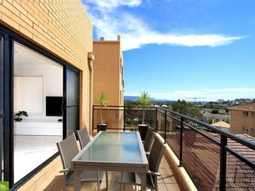 Unit 11 . 35 Hercules Street, Wollongong, NSW 2500