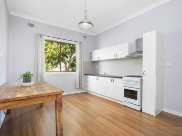 2 First Avenue, Rutherford, NSW 2320