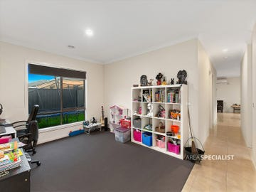 3 Dream Avenue, Clyde North, Vic 3978
