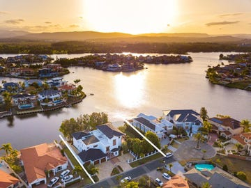 42-44 Clear Water Bay Avenue, Clear Island Waters, Qld 4226