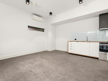 1/8B Armstrong Street, Middle Park, Vic 3206