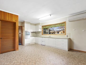 9 Pearson St, Heyfield, Vic 3858
