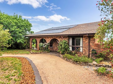 2 Cowley Place, Fadden, ACT 2904