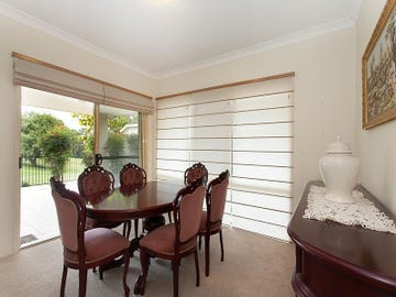 62 Flame Tree Crescent, Carindale, Qld 4152