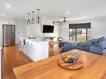 8 Yurunga Drive, North Nowra, NSW 2541