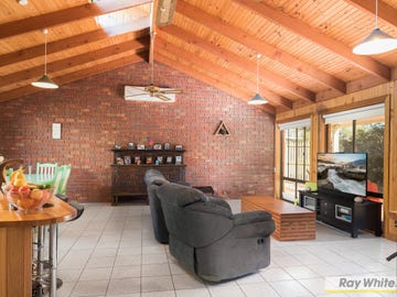 26 Outlook Drive, Cowes, Vic 3922