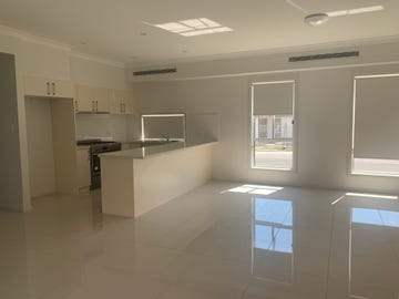 10 Sebastian Street, Colebee, NSW 2761