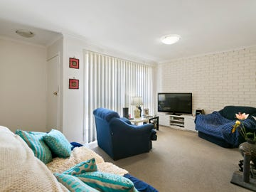 2/9 Wisewould Avenue, Seaford, Vic 3198