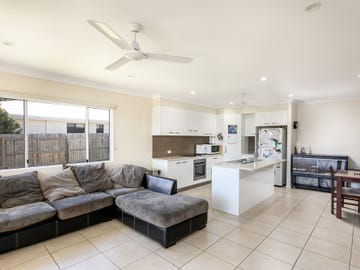 11 Endeavour Circuit, Cannonvale, Qld 4802