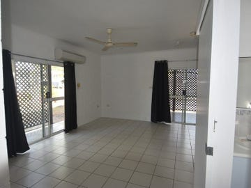 10 Holland St, Wongaling Beach, Qld 4852