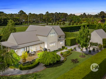 219 & 219A Bungower Road, Somerville, Vic 3912