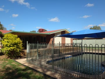 15 Egan, Emerald, Qld 4720