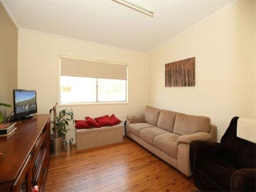 25 Eileen Street, Picnic Point, NSW 2213
