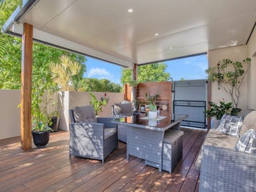 2 Renate Way, Benowa Waters, Qld 4217