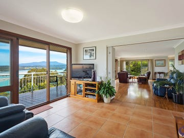 11 Hillcrest Avenue, North Narooma, NSW 2546