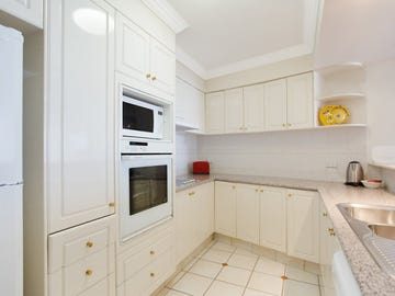 2513/24-26 Queensland Avenue, Broadbeach, Qld 4218