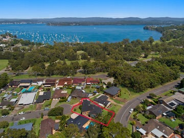 8 Parklea Avenue, Croudace Bay, NSW 2280