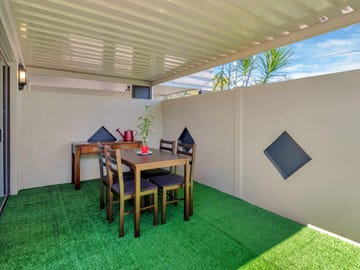 225 Cotlew Street, Ashmore, Qld 4214