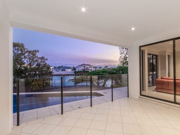 4 Istana View, Clear Island Waters, Qld 4226