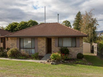 1/1 Emmett Place, New Town, Tas 7008