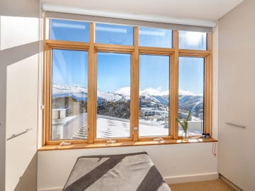 CHALET HOTHAM/12 Lawlers Court, Mount Hotham, Vic 3741